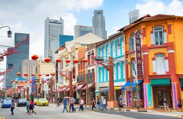 """感悟新加坡:不是中国""""海外分店""""但血液流淌"""